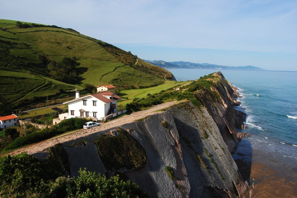 Learn French or Spanish in the beautiful South West